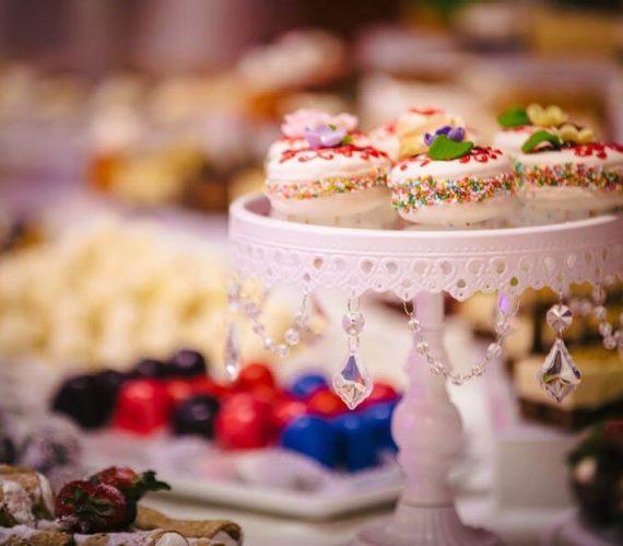 prajitui-colorate-candy-bar-nunta-cluj-2018