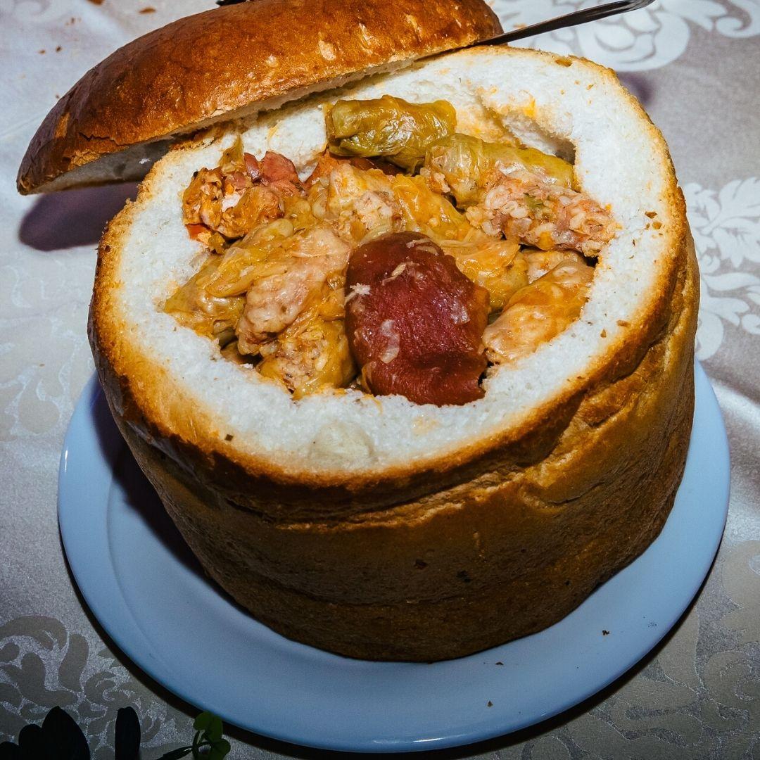 Sărmăluțe în pâine